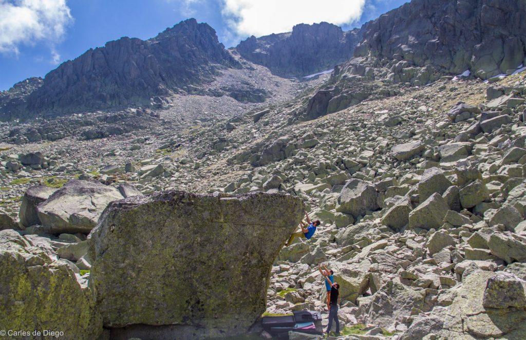 Granito de alta montaña en Hoya Moros. Foto: Carles de Diego
