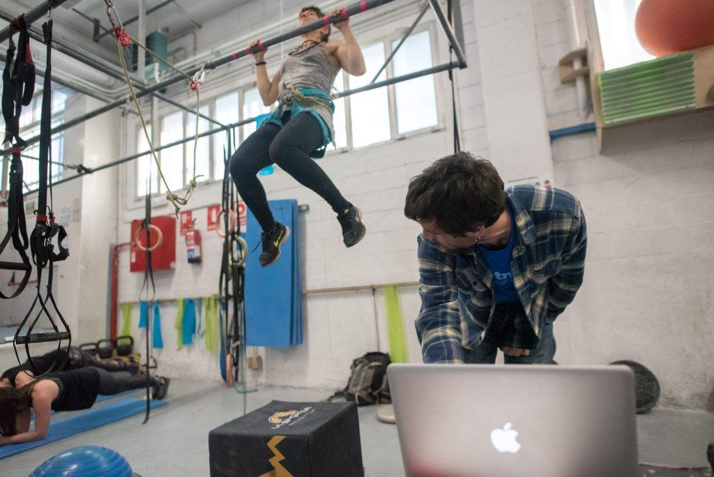Estudios de entrenamiento en Sputnik. Carácter de esfuerzo