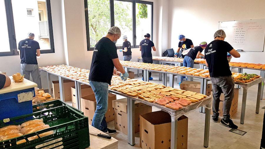 World Central Kitchen de Santa Eugenia está repartiendo más de 11.000 comidas diarias. ©Miguel Merino