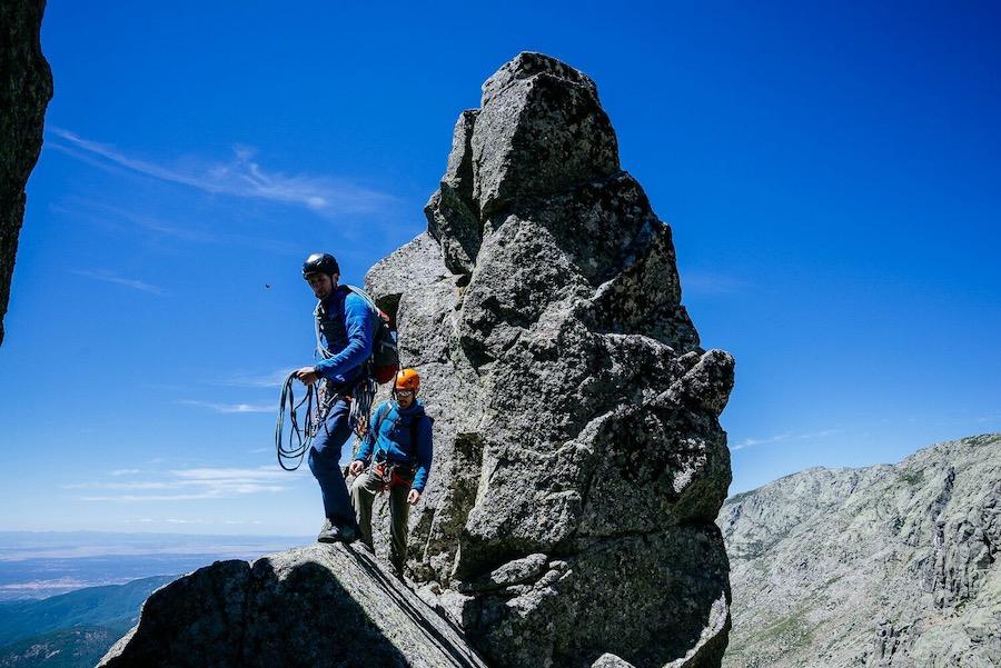 Actividad guiada en una cresta de Gredos. ©Dani Castillo