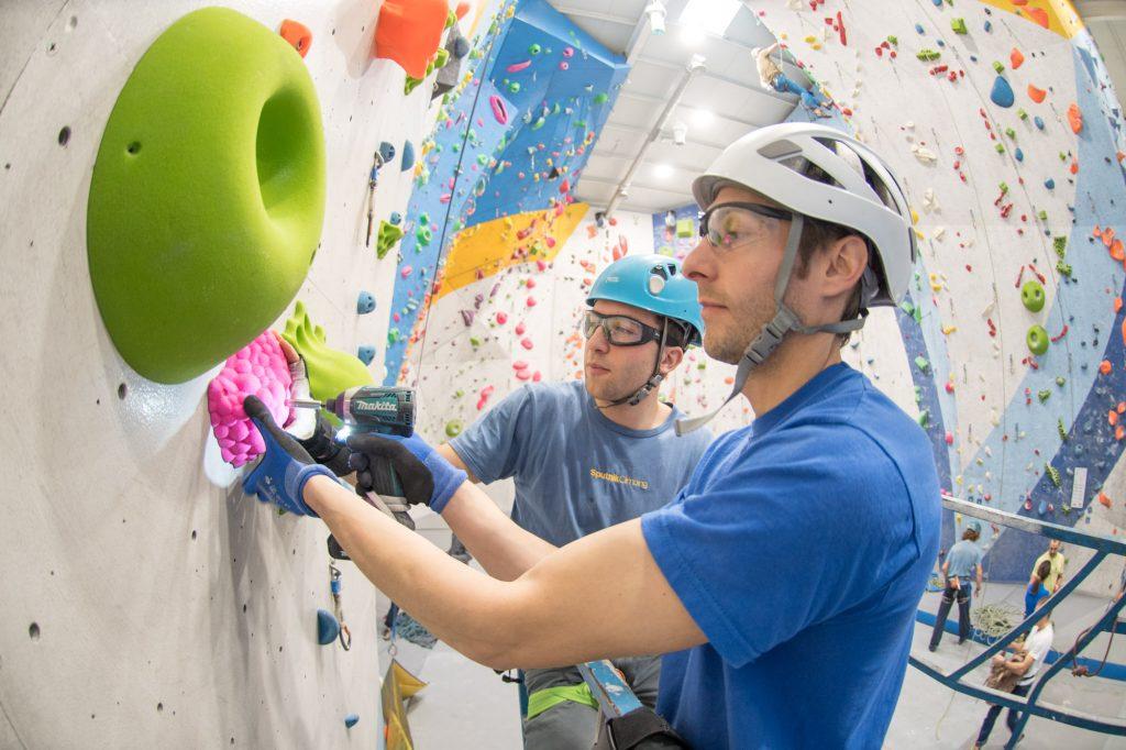 Nacho Sánchez equipa con Simón Padín en Sputnik Climbing