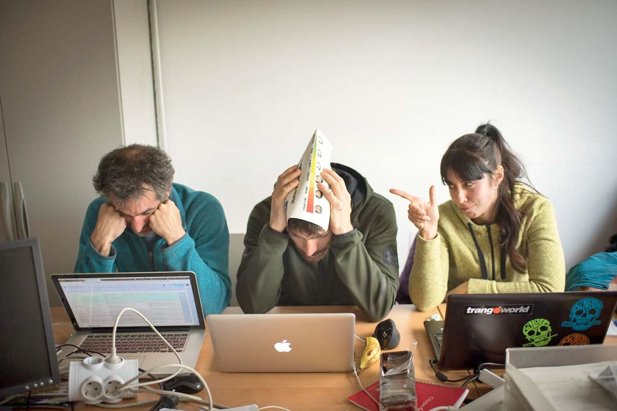 Rebe pone las cosas claras a Jorge Y Ekhi durante una reunión para diseñar el Entrenamiento online