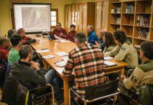 Reunión en las oficinas del Parque para establecer las regulaciones en La Pedriza. © Escalada Sostenible.