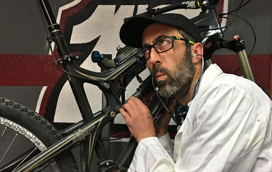 Manual concentrado de revisión y mantenimiento de la bicicleta.
