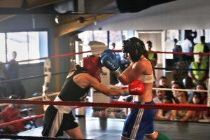 Fátima en un combate de boxeo.