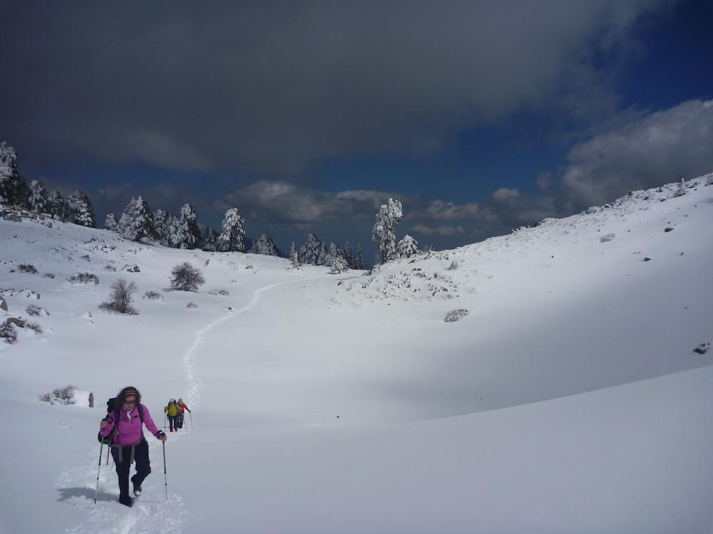 Camino invernal al Jebel Lakraa, en el Rif. © Felipe Gómez