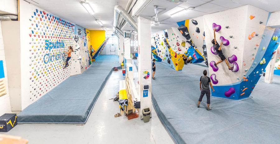 Los grandes volúmenes son tendencia en la forma de entender el movimientos en las modernas salas de escalada.