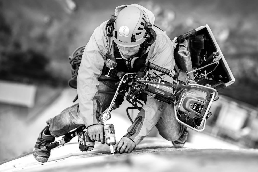 Trabajo duro de setting en la torre. ©Stanko Gruden