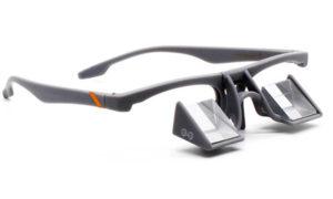 <b>Con función elevable</b>: Y and Y Prims Up. Articulada para no tener que colgar las gafas en el cuello.